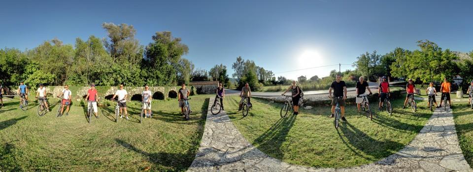 Konavoska osmica - ekipa s biciklističke utrke kroz Konavle